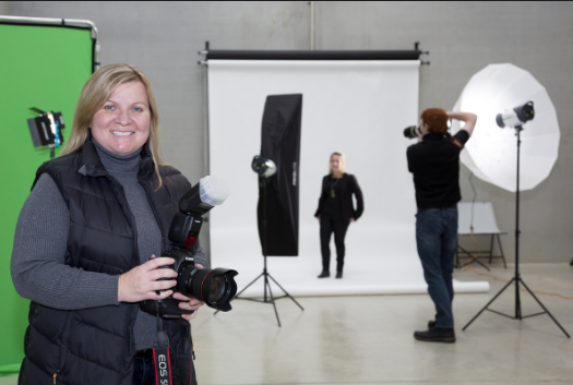 Why Should You Become A Corporate Photographer?